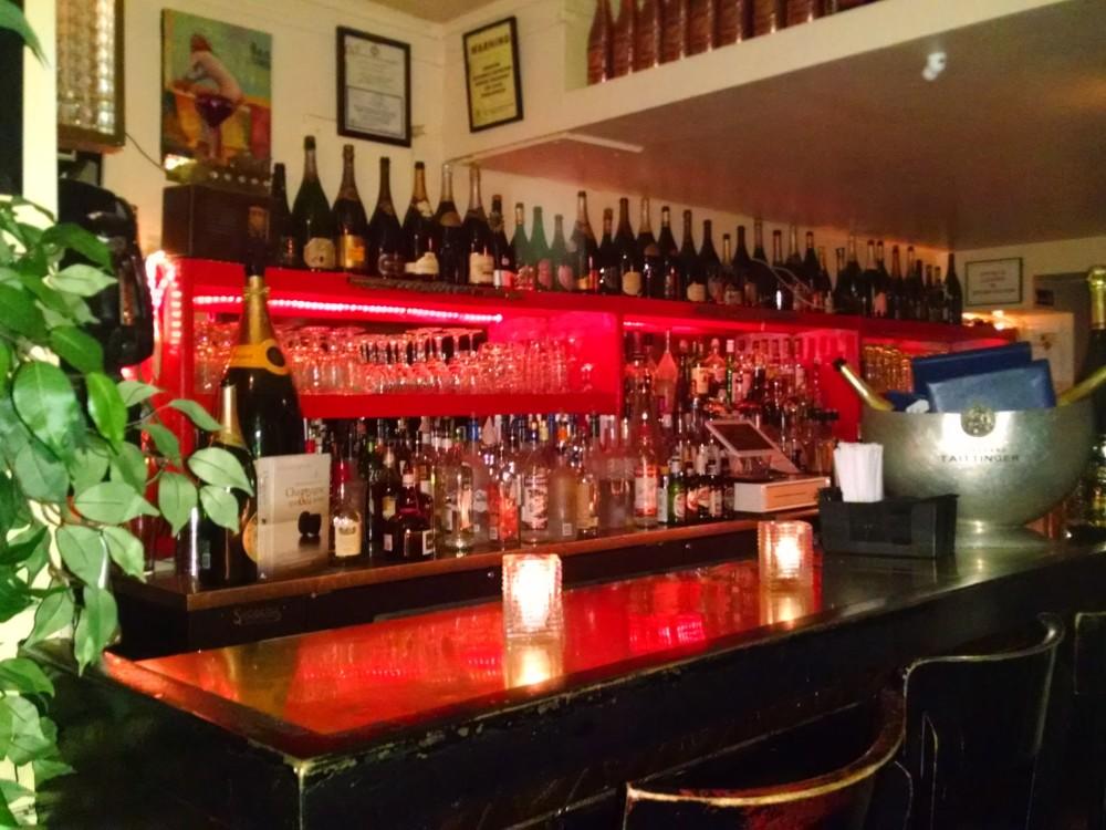 Bar at the Flûte Midtown