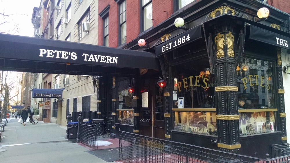 Pete's Tavern entrance