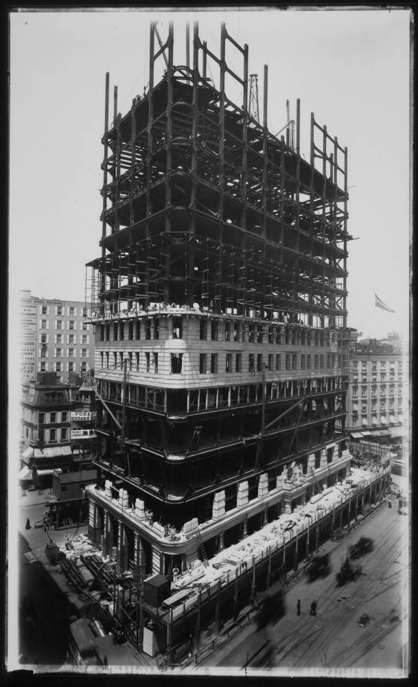 Construction of Flatiron Building Date: ca. 1905