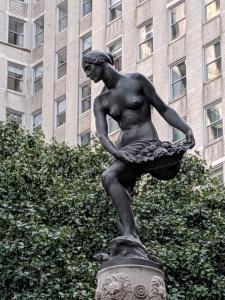 Statue of Pomona