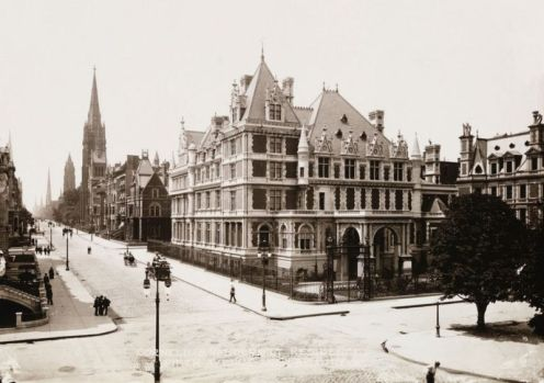 Cornelius and Alice Vanderbilt II mansion at the corner of 5th Avenue and Grand Army Plaza, New York 1908